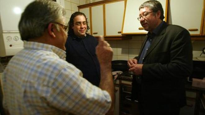 El Ayuntamiento de Cornellà recibe un premio por su compromiso con las personas desaparecidas