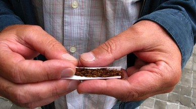La Generalitat busca poner freno al tabaco de liar entre los jóvenes