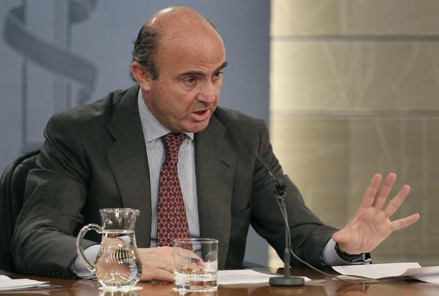 Guindos dice que los esfuerzos del 2014 que quiere conocer Bruselas se concretarán en los próximos meses