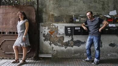 Roser Messa y Pep Brocal, en la sede de la editorial Comanegra.