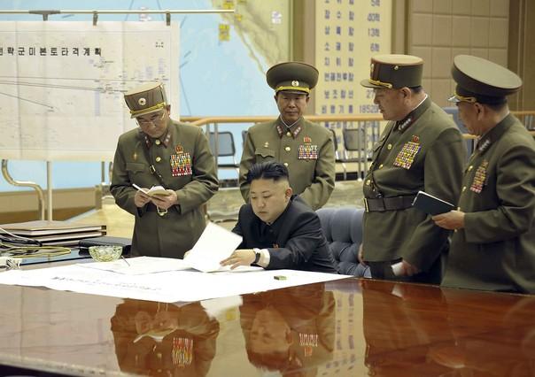 Corea del Norte prepara sus misiles para atacar intereses de EEUU y Corea del Sur