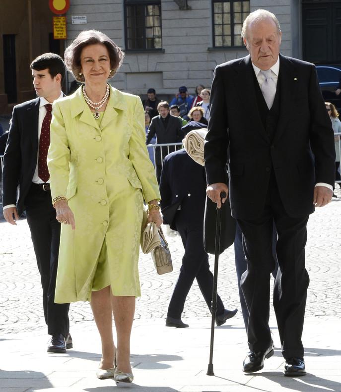 Los reyes Juan Carlos y Sof�a, este s�bado, en Estocolmo.