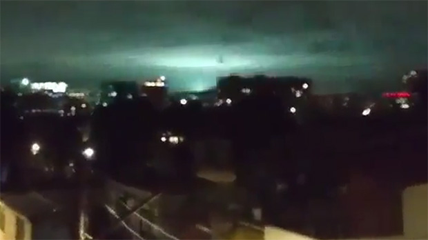 ¿Qué son las extrañas luces en el cielo durante el terremoto de México?