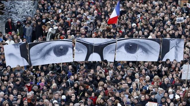 Detenidos 10 sospechosos de proveer armas para el atentado contra 'Charlie Hebdo'