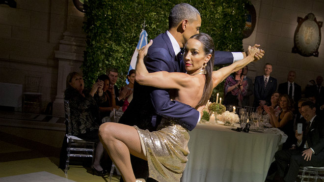 Durante la cena de gala ofrecida por el presidente Macri, Obama se animó a bailar tango.