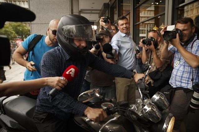 Una veintena de economistas de izquierdas piden a Europa generosidad con Grecia