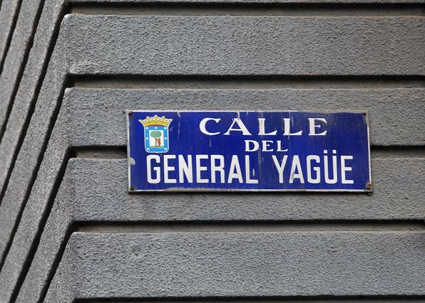 Placa de la calle General Yagüe en Madrid