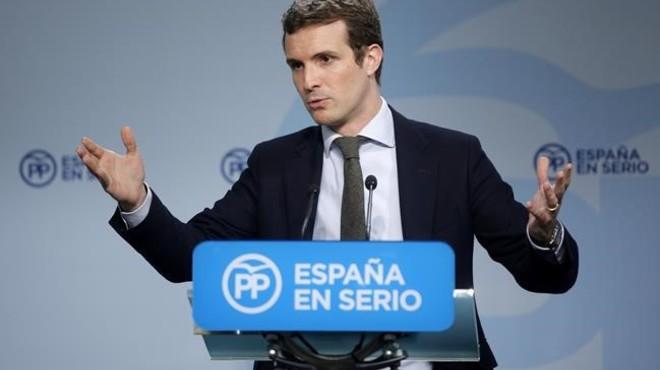Twitter s'omple de 'memes' per l'error de Pablo Casado amb Veneçuela
