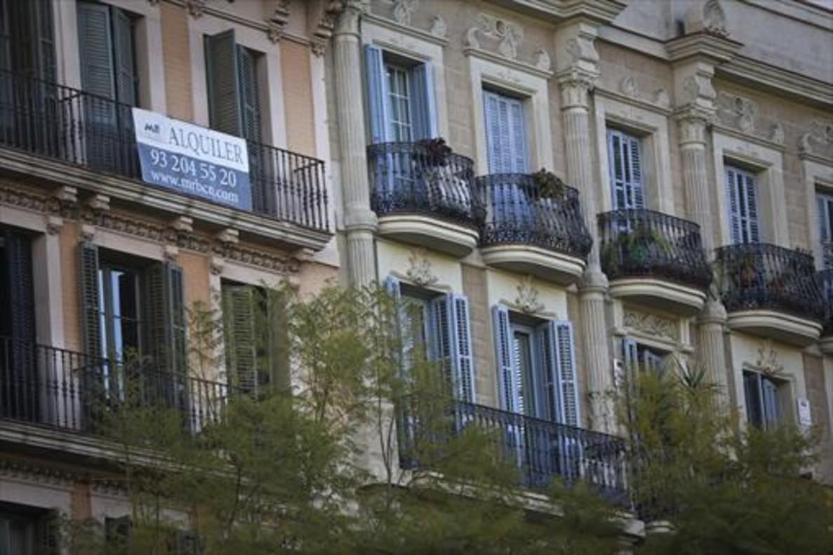 Barcelona plantea una tasa de 633 euros para los pisos vac os for Piso 80000 euros barcelona