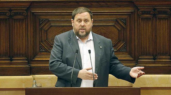 El vicepresident i conseller dEconomia, Oriol Junqueras, alerta la CUP que els ciutadans pagaran les conseqüències extremadament greus de no aprovar els pressupostos.