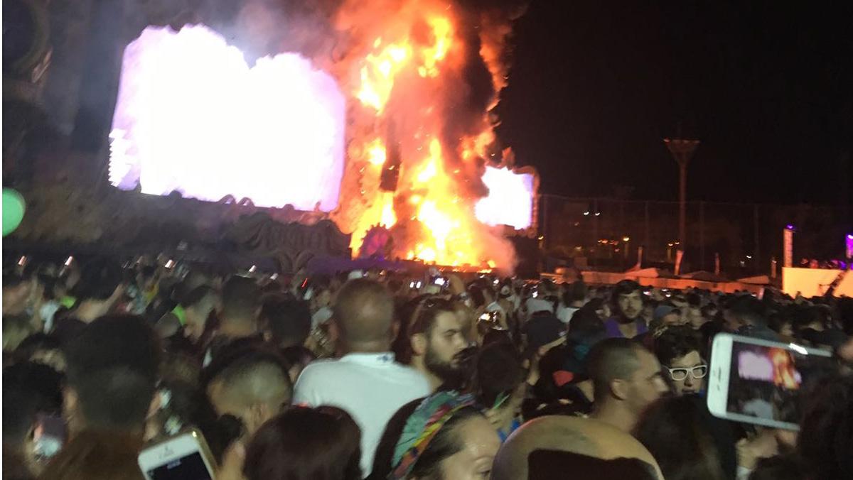 Arde el escenario de Tomorrowland en Can Zam, por una pirotécnia