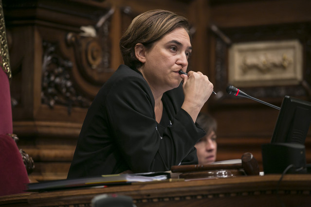 """Colau: """"En Barcelona se están haciendo más de 50 hoteles, la moratoria no ha parado nada"""""""