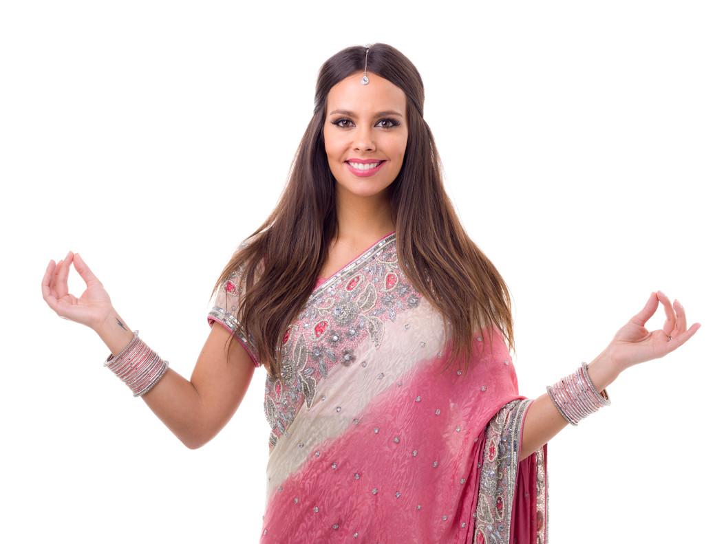 Cristina Pedroche, con sari para 'Pek�n express'