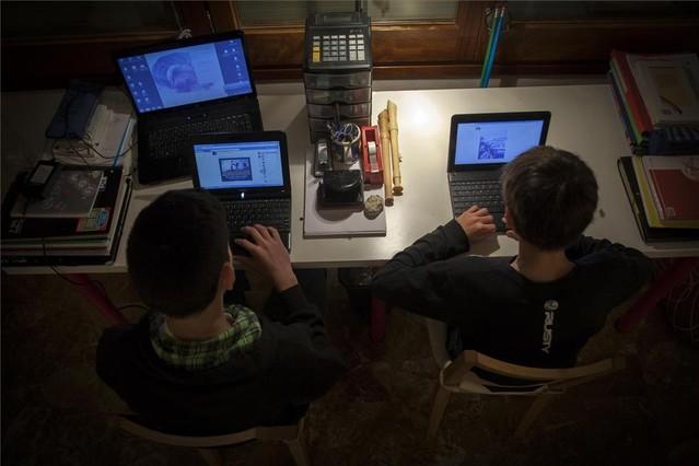 La adicción a internet acecha a los adolescentes