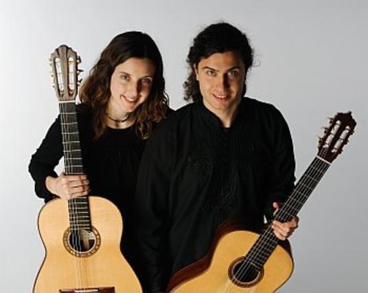 El Duo Joncol encaja sus delicadas piezas en el Auditori de Santa Coloma