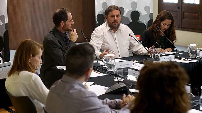 """Entre tots. Oriol Junqueras: """"No ens rendirem""""."""