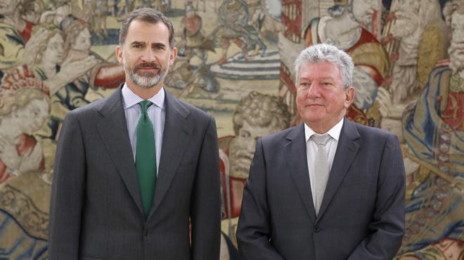"""Homs avisa el Rei que hi haurà un referèndum a Catalunya """"peti qui peti"""""""
