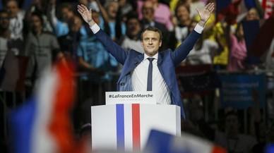 Macron s'erigeix en el defensor dels valors republicans davant Le Pen