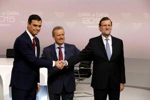 Pedro S�nchez y Mariano Rajoy, con Manuel Campo Vidal, al inicio del cara a cara.