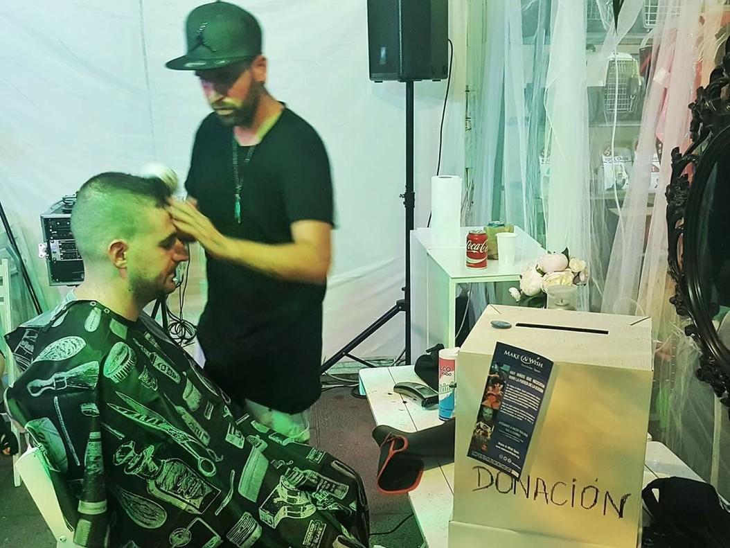 Ramón, el peluquero solidario del 'Open Night Santa Coloma' que recaudó contra la leucemia