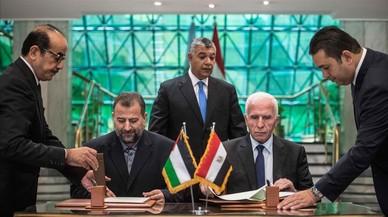 Los palestinos firman en El Cairo un acuerdo de reconciliación