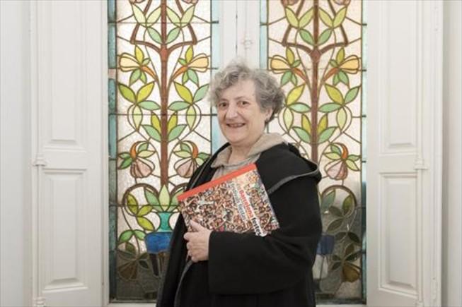 Teresa Duran, escritora: Los barrios de la periferia tienden a ser muy festivos