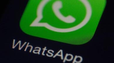 Icono de la aplicación WhatsApp en un teléfono móvil.