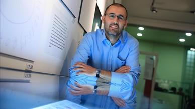 Azuquahe Pérez: «Els rellotges expliquen el que l'Alzheimer fa»