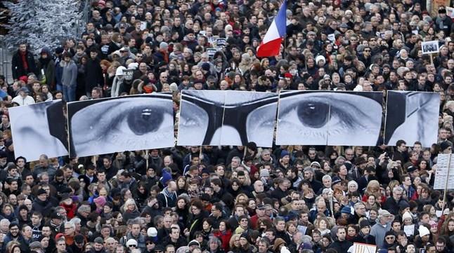 Manifestación multitudinaria en París tras los atentados contra Charlie Hebdo, el 11 de enero del 2015.