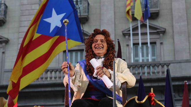 El rey Toni Albà realiza el pregón alternativo.