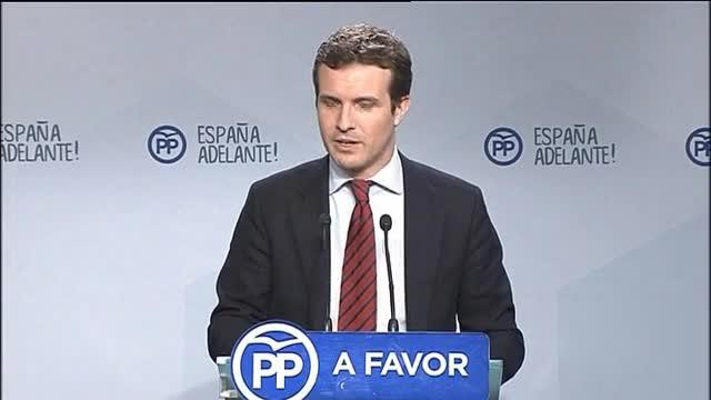 """Casado cree que Puigdemont está haciendo el """"ridículo"""""""