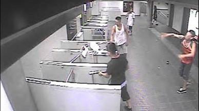 Presó per deixar borni un home al metro amb un cop d'ampolla durant la revetlla de Sant Joan