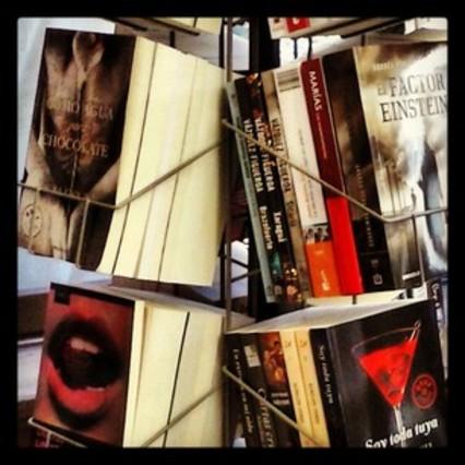 """""""Escogiendo libros para #momentosparaleer"""""""