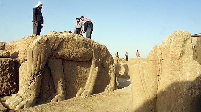 El Estado Isl�mico arrasa el sitio arqueol�gico de la b�blica Nimrod.