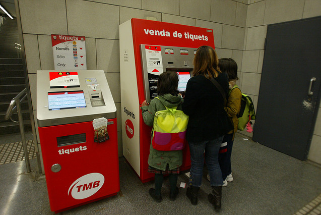 Instituciones y bancos pactan el rescate financiero del transporte metropolitano de Barcelona