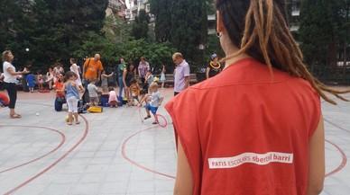 Barcelona abre patios escolares para uso del vecindario en todos los distritos