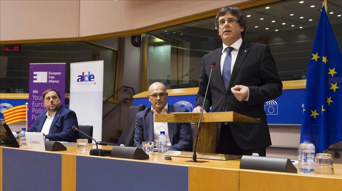 Puigdemont, Junqueras y Romeva defenderán el referéndum en el Ayuntamiento de Madrid