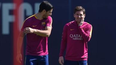 Luis Su�rez y Messi, en un entrenamiento del Bar�a.
