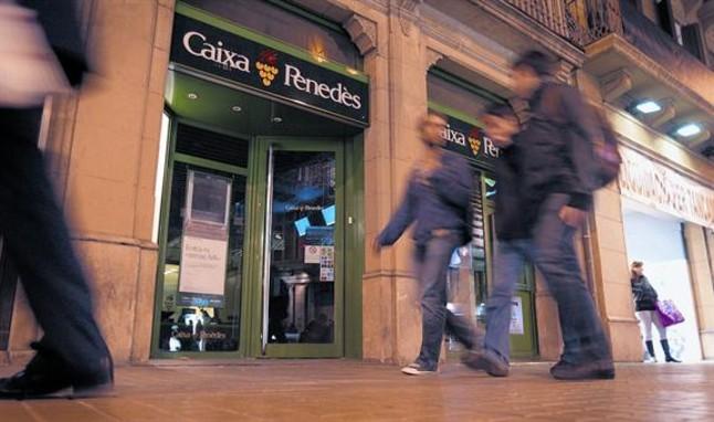 Economia considera injustificables las pensiones de caixa for Caixa penedes oficinas