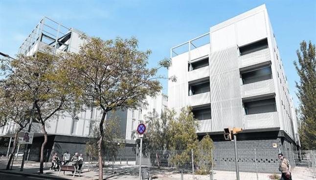 La mina da a otras familias los pisos del realojo de venus - Pis proteccio oficial barcelona ...