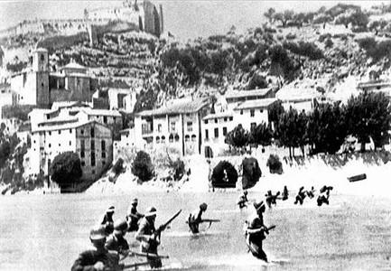 Imagen histórica de la batalla del Ebro, durante la guerra civil española.