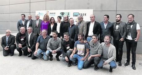Fotograf�a de familia de los representantes del sector audiovisual -industria y creatividad- que ayer presentaron la nueva edici�n de la Fiesta del cine.