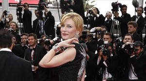 lmmarco13889977 actress cate blanchett poses for photographers as 160203151302