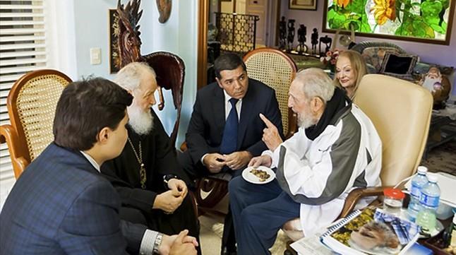 El patriarca Cirilo visitó a Fidel Castro en la casa del expresidente cubano en la Habana.