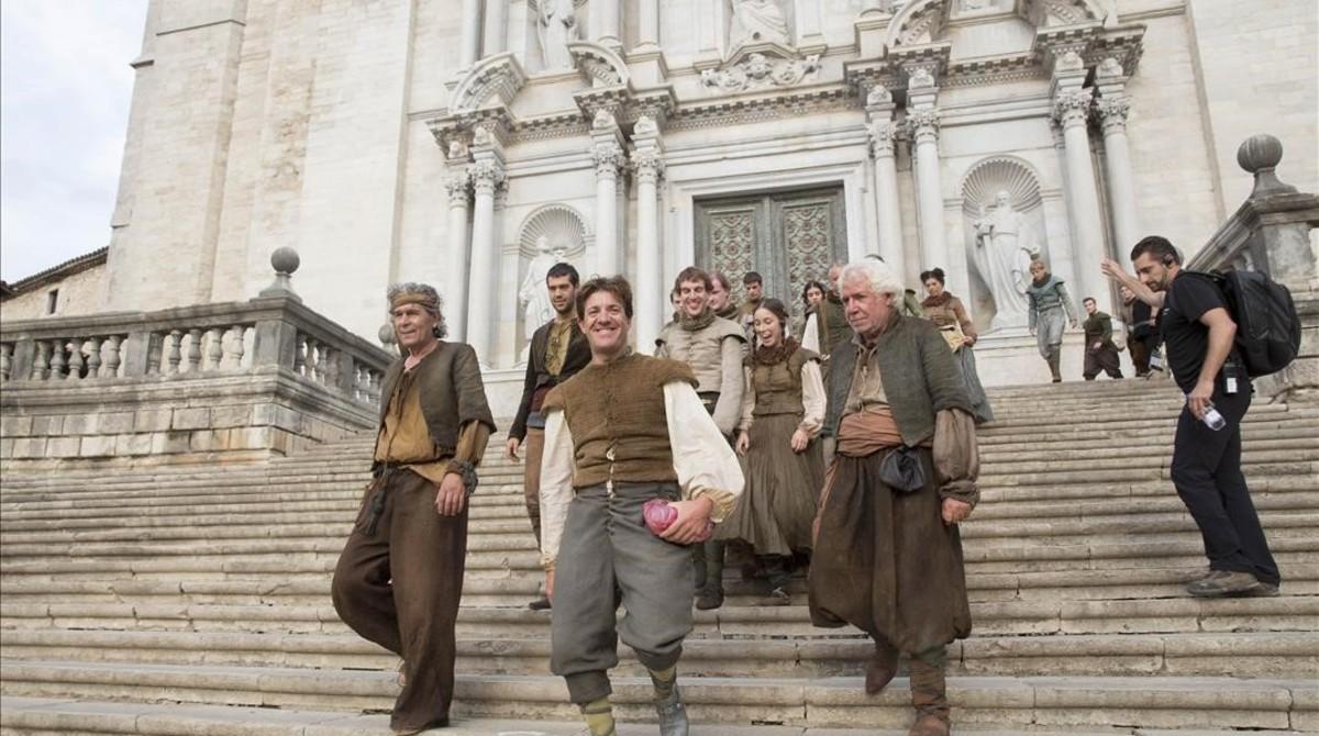 Girona negocia estrenar 39 juego de tronos 39 en una pantalla for Escaleras juego de tronos