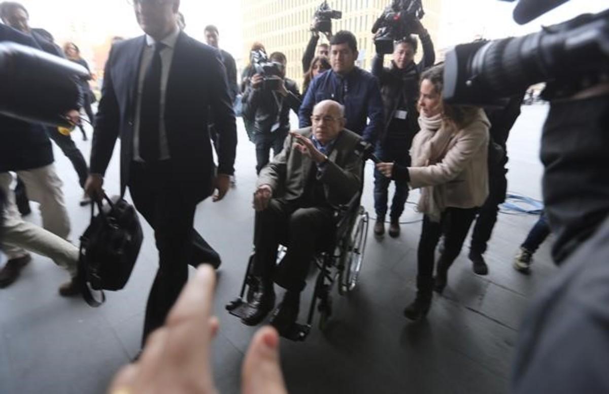 Millet, a su llegada a la Ciutat de la Justícia.