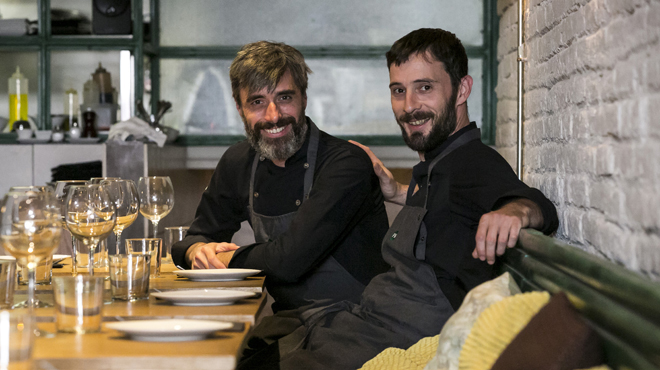 On Barcelona: Martin Vila, chef del restaurante 'Fulano Mengano', nos presenta una 'Crepinette de peus de porc farcida de botifarra negra i ceps'