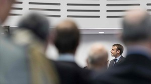 zentauroepp40758664 french president emmanuel macron speaks during his visit at 171031162442