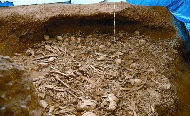 La Sagrera descubre una enorme fosa con 125 hombres prehistóricos