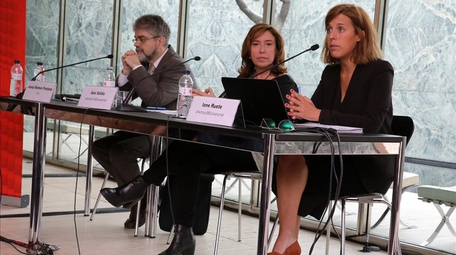 Josep Ramon Fontana (ITeC), Ana Vallés, presidenta de BBConstrumat e Ione Ruete, directora general.